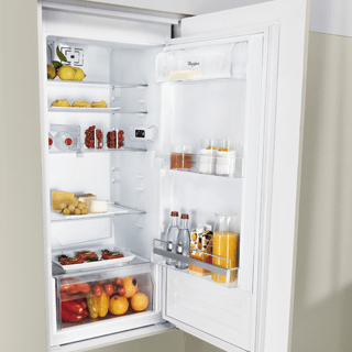Whirlpool BLF 8121 OX Fridge Freezer in Optic Inox 4