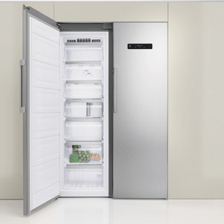 Whirlpool ARG 18083 A++ Integrated Fridge 3