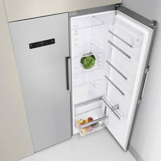 Whirlpool BLF 8121 OX Fridge Freezer in Optic Inox 1