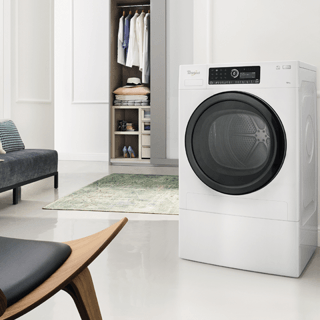 Whirlpool SupremeCare FSCR80410 Washing Machine in White 2