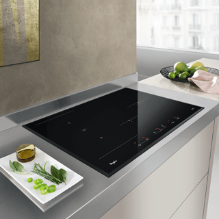 Whirlpool  Built-In Induction Hob in Black ACM 868/BA/IXL 14